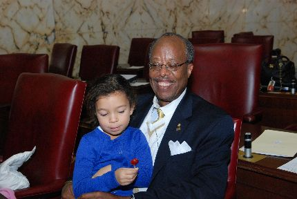 Senator McFadden on the Senate floor with his granddaughter